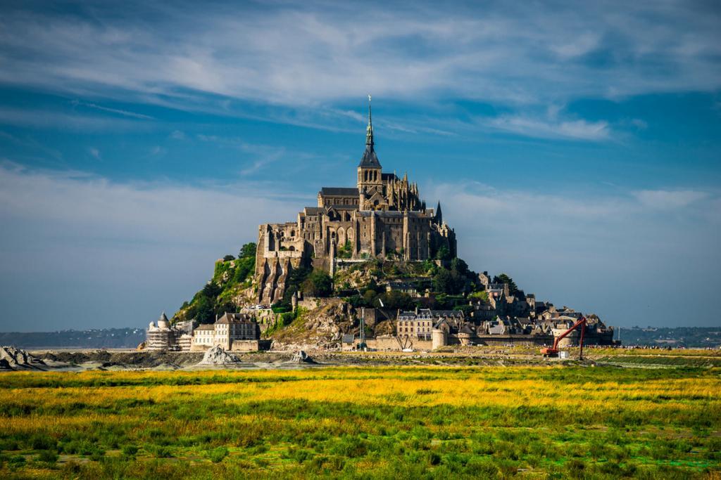 Остров-крепость Мон-Сен-Мишель (23 фото + 2 HD-видео)