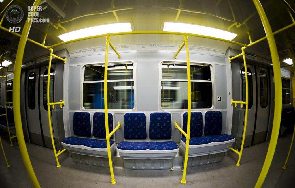 Швеция. Стокгольм. Внутри одного из вагонов. (Hannes R)