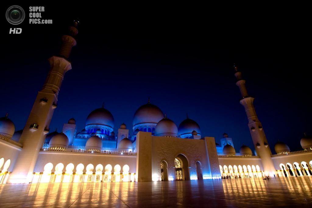 Объединённые Арабские Эмираты. Абу-Даби. Мечеть шейха Зайда. (Syafiq Azim)