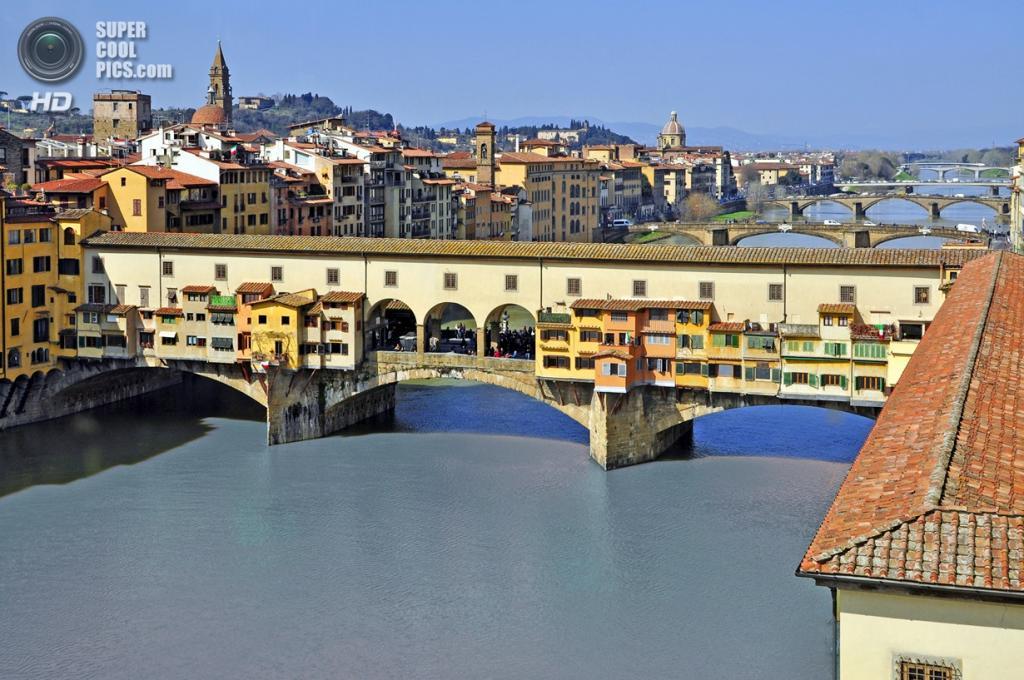 Италия. Флоренция, Тоскана. Мост Понте-Веккьо. (Joe Routon)