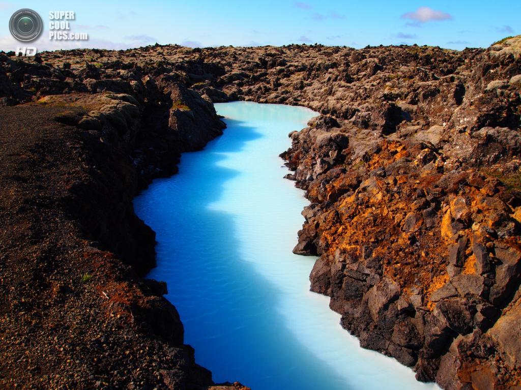 Исландия. Гриндавик, Рейкъянес. Геотермальный курорт «Голубая лагуна». (Davide Del Monte)