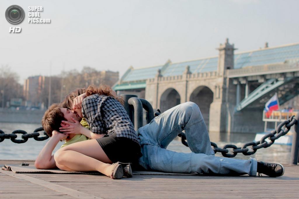 Всемирный день поцелуя. (anyula)