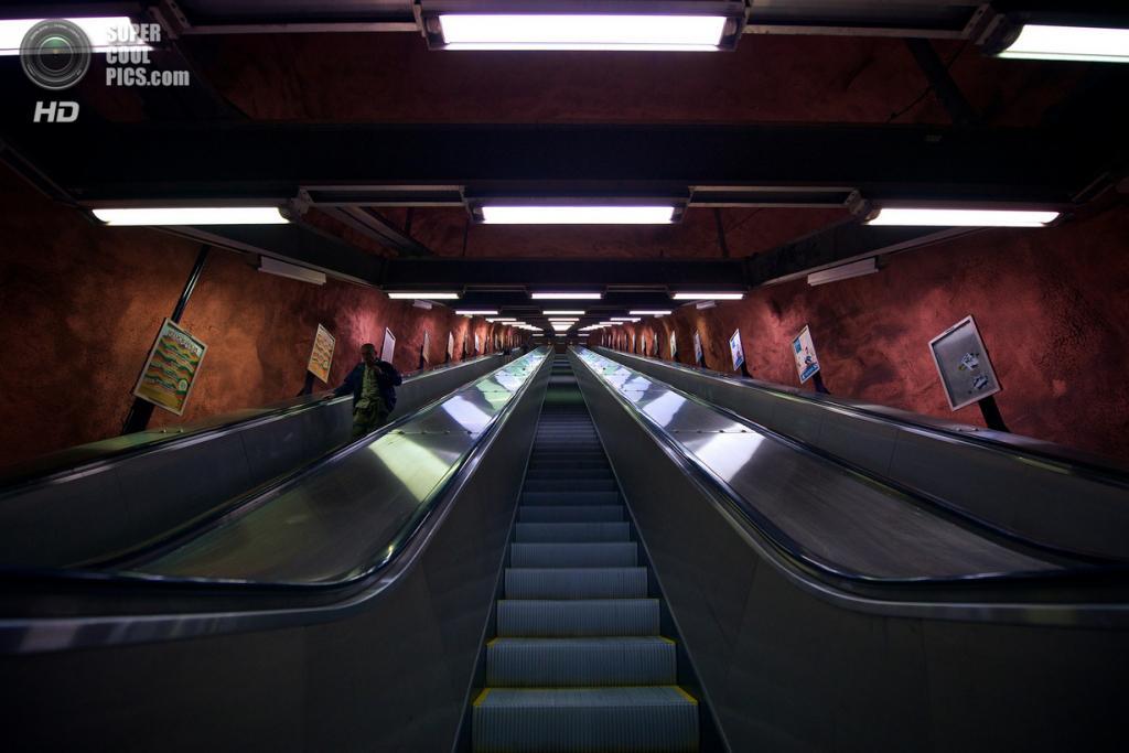 Швеция. Стокгольм. Станция «Родхусет», расположенная на Синей линии. (Giorgio Cassisi)