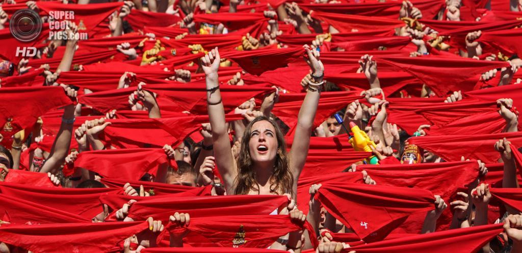 Испания. Памплона, Наварра. «Сан-Фермин 2013». (Jonan Basterra)