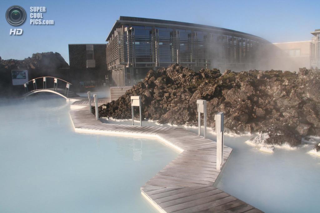 Исландия. Гриндавик, Рейкъянес. Геотермальный курорт «Голубая лагуна». (Stephen_AU)