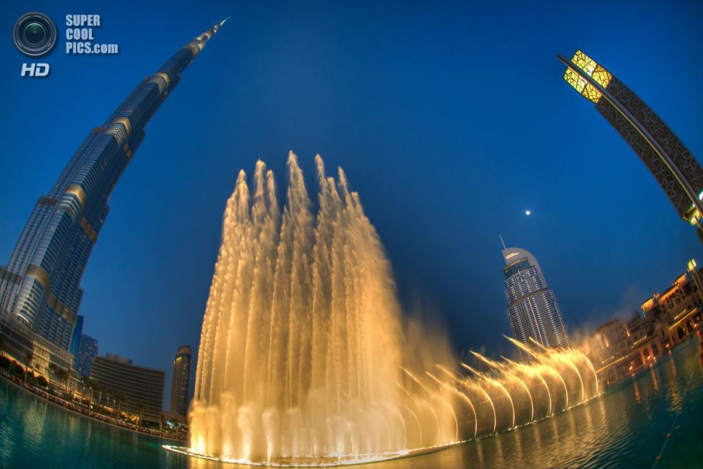 Объединенные Арабские Эмираты. Дубай. Музыкальный фонтан «Дубай». (Emad Aljumah)