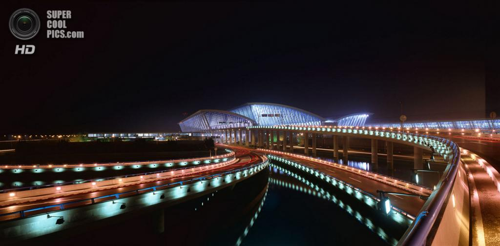 Китай. Шанхай. Виды международного аэропорта «Пудун». (Paul Maurer)