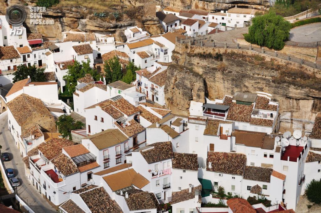 Испания. Сетениль-де-лас-Бодегас, Андалусия. (David Сadviodi)