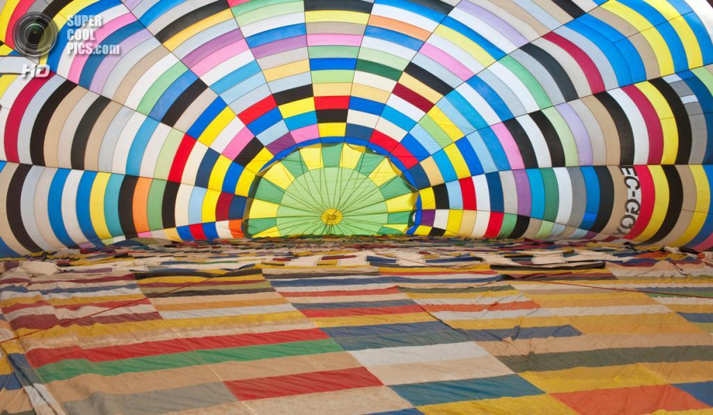 Испания. Игуалада, Каталония. Европейский фестиваль воздушных шаров. (Josep Tomàs)