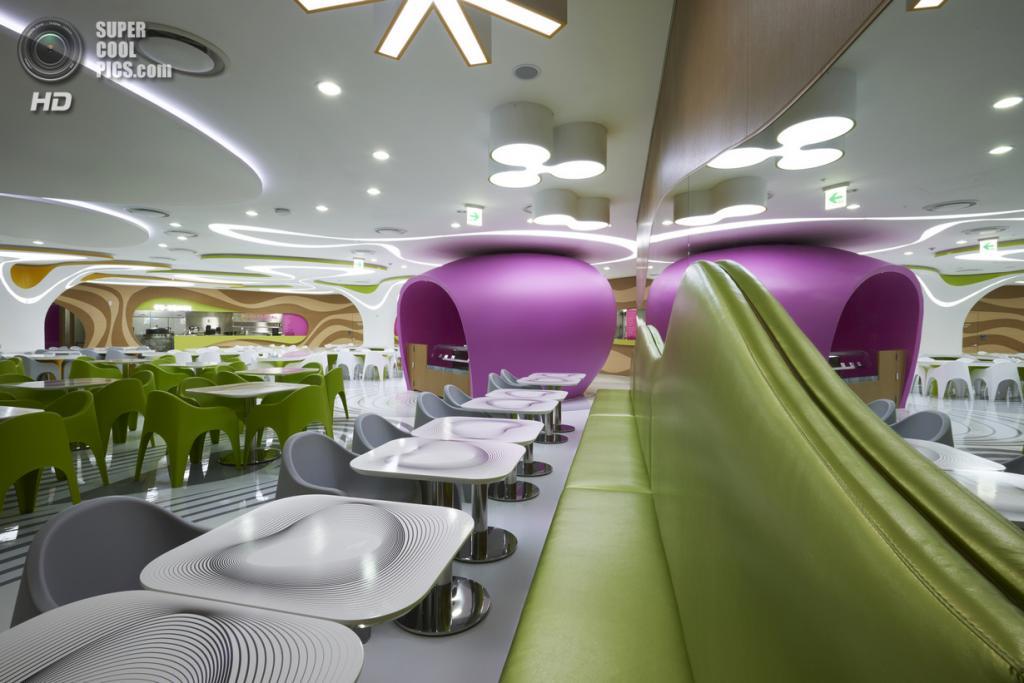 Южная Корея. Сеул. Ресторанный дворик «Amoje Food Capital» в торговом центре Lotte. (Lee Gyeon Bae)