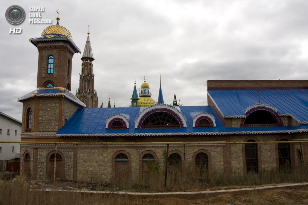Россия. Старое Аракчино, Казань. Храм всех религий. (Tatiana)