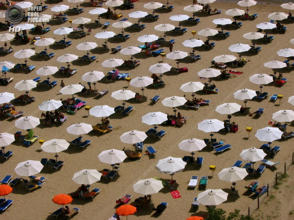 На пляже. (Pierre Andrews)