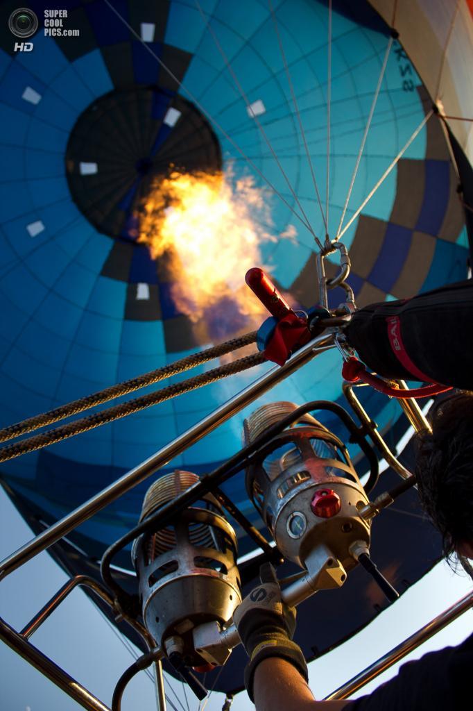 Испания. Игуалада, Каталония. Европейский фестиваль воздушных шаров. (Pablo Perdomo)