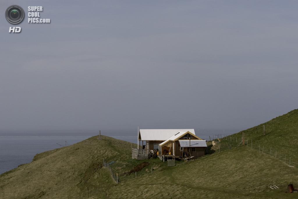 Исландия. Архипелаг Вестманнаэйяр. Остров Бьярнарей. (Bjarnarey)