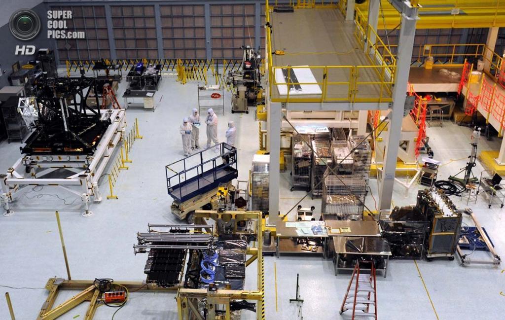 США. Гринбелт, Мэриленд. «Чистая комната» здания №29 Центра космических полётов Годдарда, где ведётся строительство телескопа «Джеймс Уэбб». (Algerina Perna/Baltimore Sun)