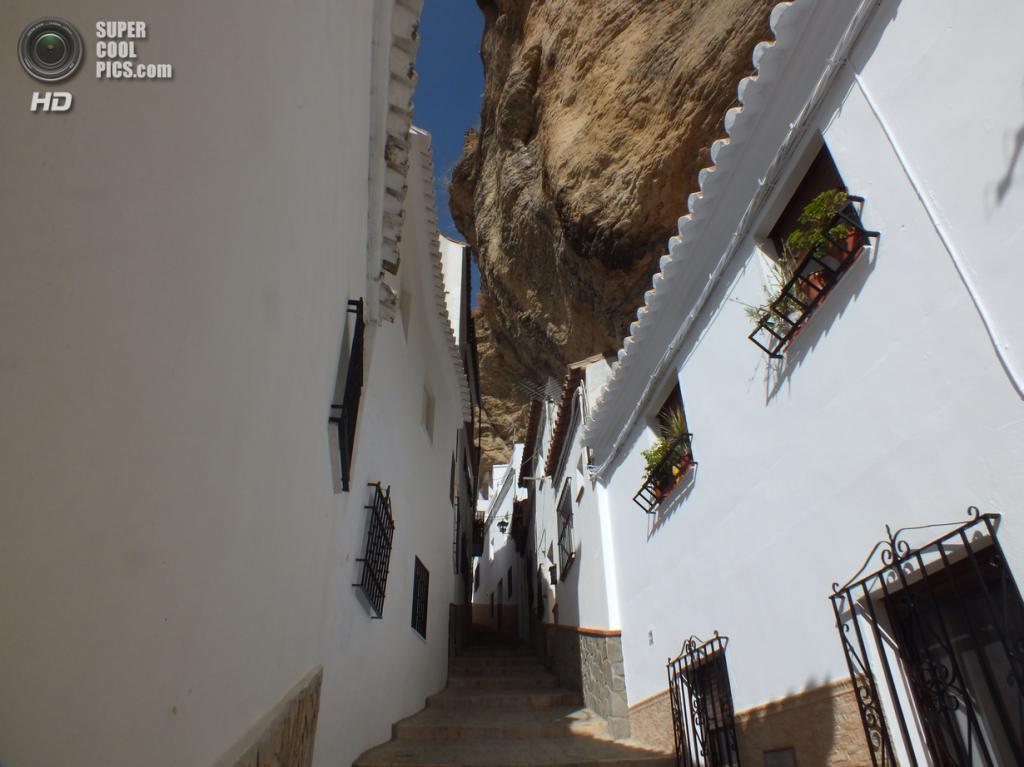 Испания. Сетениль-де-лас-Бодегас, Андалусия. (Klinne)