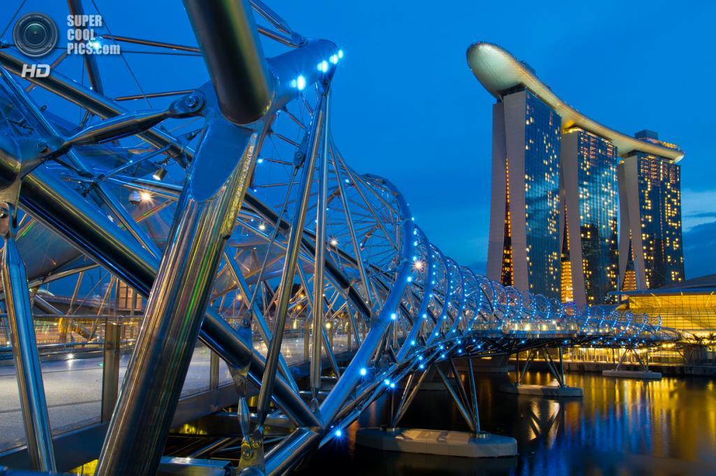 Сингапур. Спиральный мост. (Shutter wide shut)