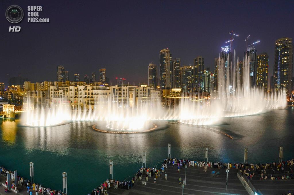 Объединенные Арабские Эмираты. Дубай. Музыкальный фонтан «Дубай». (pixmac2011)