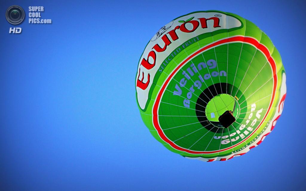 Испания. Игуалада, Каталония. Европейский фестиваль воздушных шаров. (Miss Mandarina)
