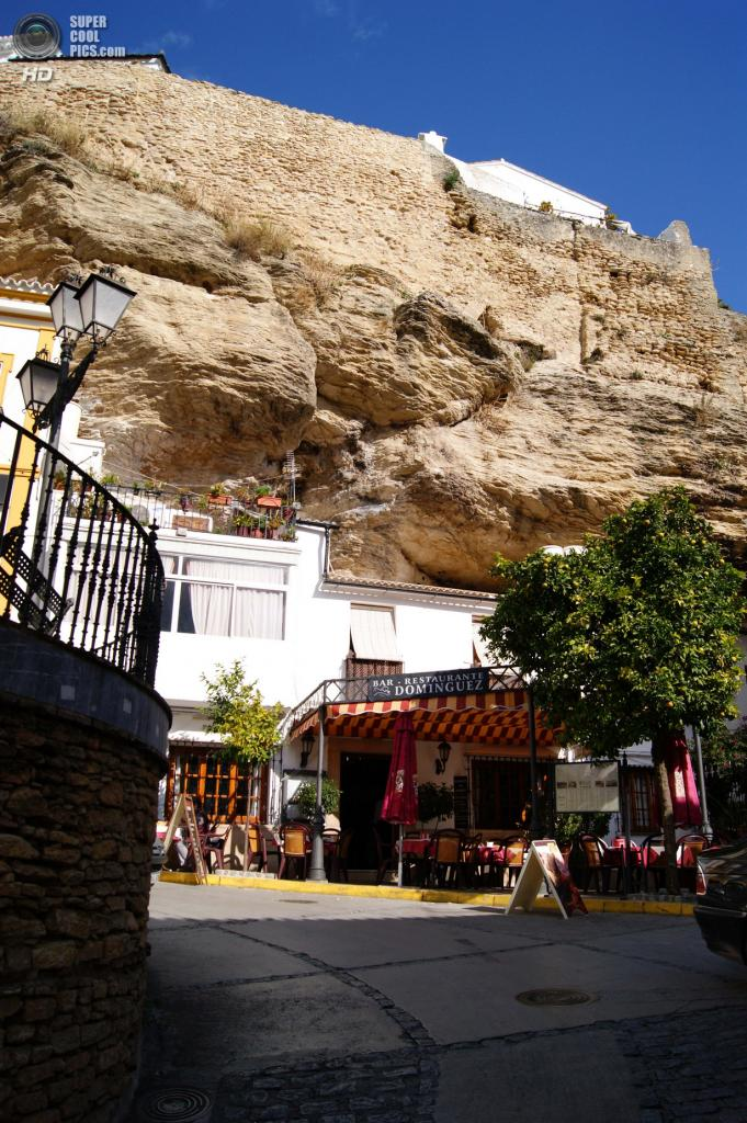 Испания. Сетениль-де-лас-Бодегас, Андалусия. (Familia Lostaunau Peña)