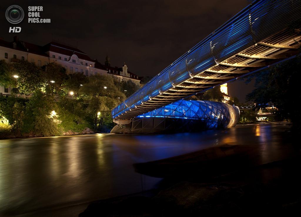 Австрия. Грац, Штирия. Мост «Murinsel». (Roland Montaperti)