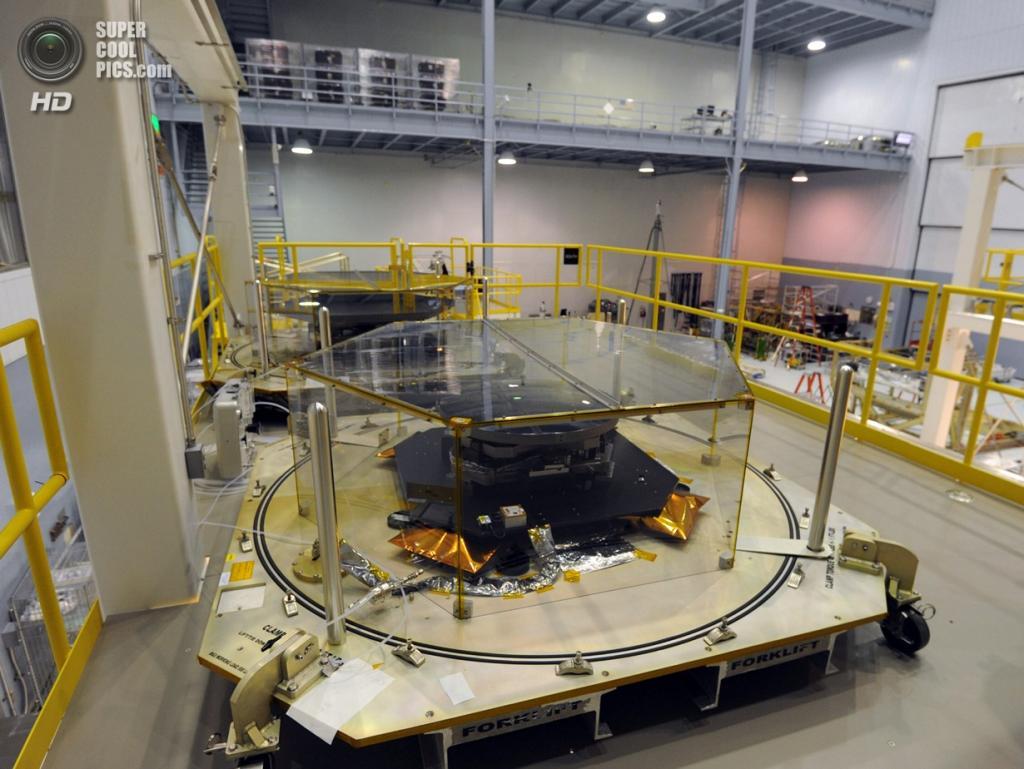 США. Гринбелт, Мэриленд. Испытательные установки для сегментов зеркал телескопа «Джеймс Уэбб». (Algerina Perna/Baltimore Sun)