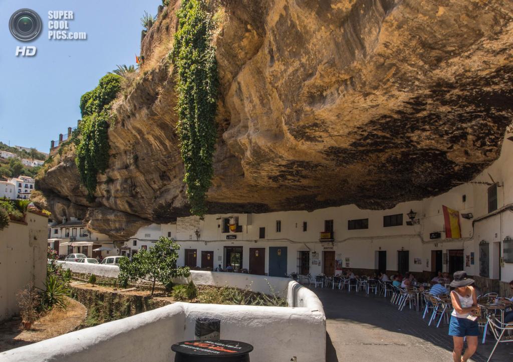 Испания. Сетениль-де-лас-Бодегас, Андалусия. (Paul Weston)