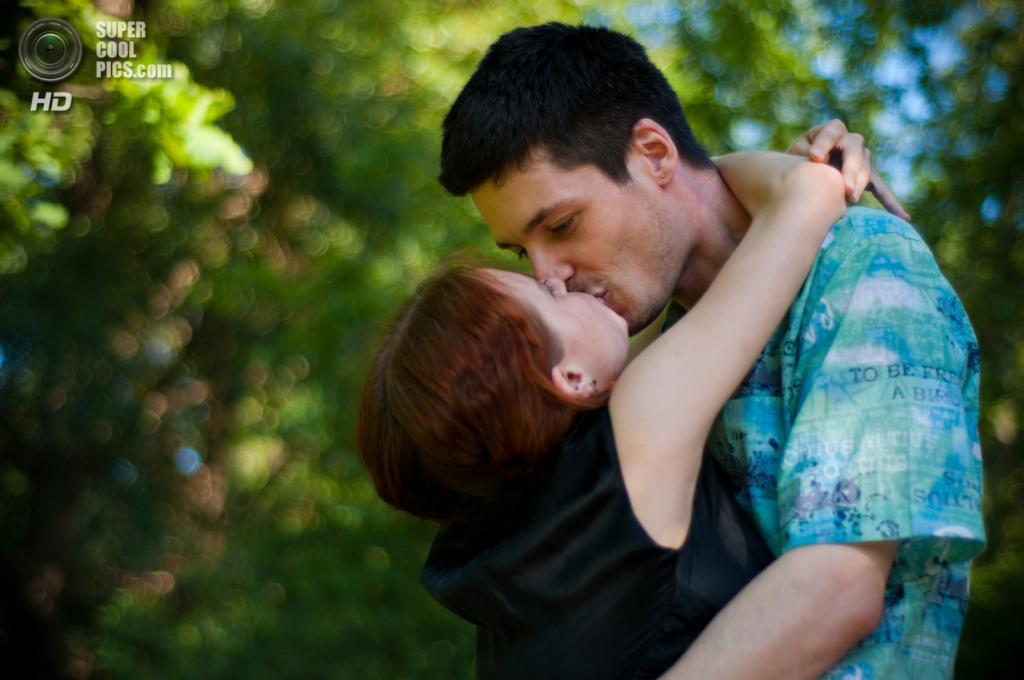 Всемирный день поцелуя. (Sly Fox)