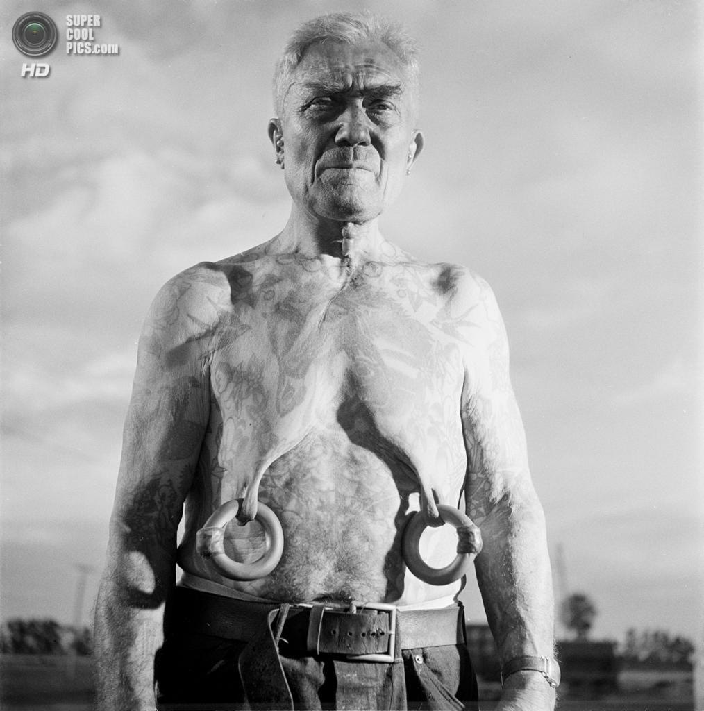 США. Нью-Йорк. 1948 год. Цирковой артист. (V&M/Look/Stanley Kubrick)