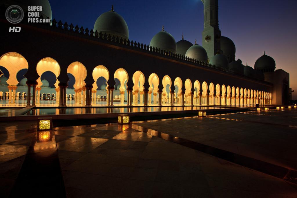 Объединённые Арабские Эмираты. Абу-Даби. Мечеть шейха Зайда. (Achim Thomae)