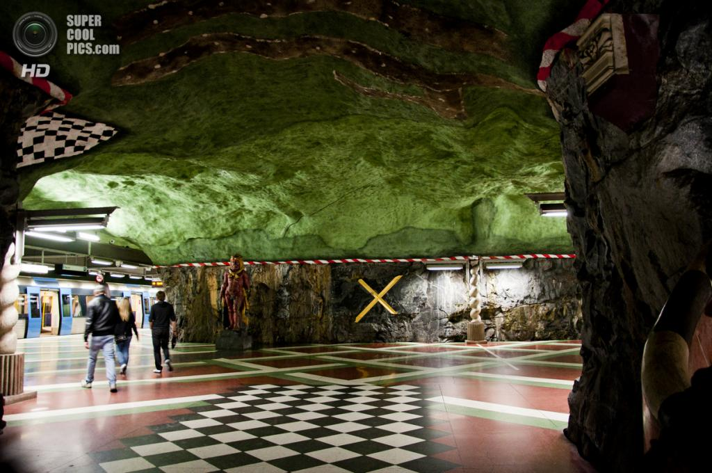Швеция. Стокгольм. Станция «Кунгстредгорден», расположенная на Синей линии. (Jagrina)