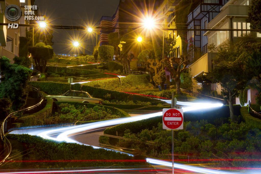 США. Сан-Франциско, Калифорния. Ломбард-стрит. (Brian DeVito)