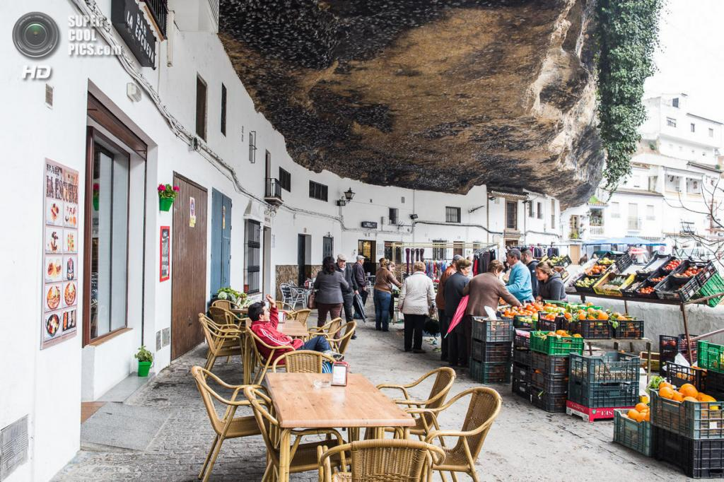 Испания. Сетениль-де-лас-Бодегас, Андалусия. (Judith)