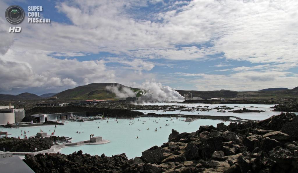 Исландия. Гриндавик, Рейкъянес. Геотермальный курорт «Голубая лагуна». (Daniel Skoog)