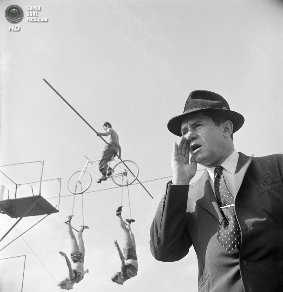 США. Нью-Йорк. 1948 год. Шоу эквилибристов. (V&M/Look/Stanley Kubrick)