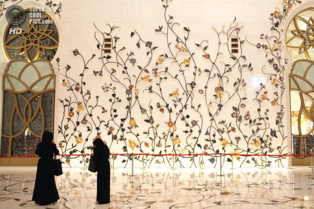 Объединённые Арабские Эмираты. Абу-Даби. Мечеть шейха Зайда. (lam_chihang)