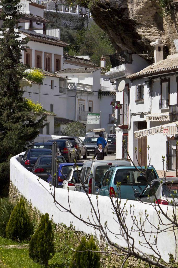Испания. Сетениль-де-лас-Бодегас, Андалусия. (Les Rowe)