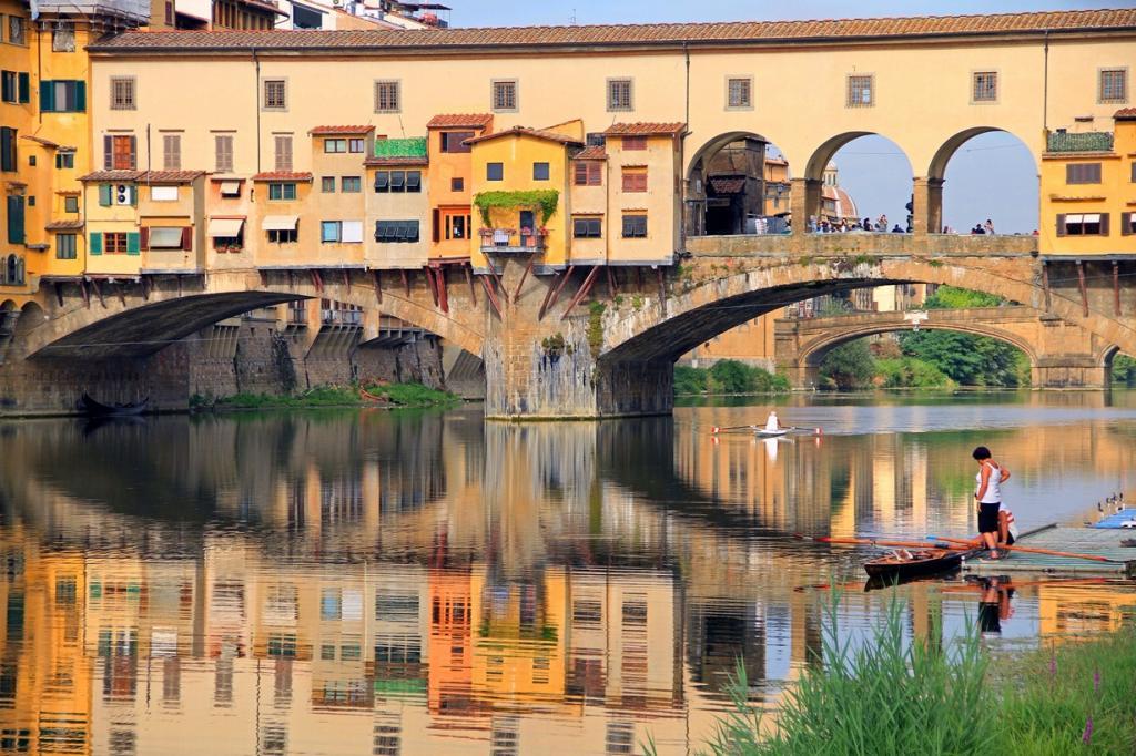 Самый старый мост Флоренции (7 фото)