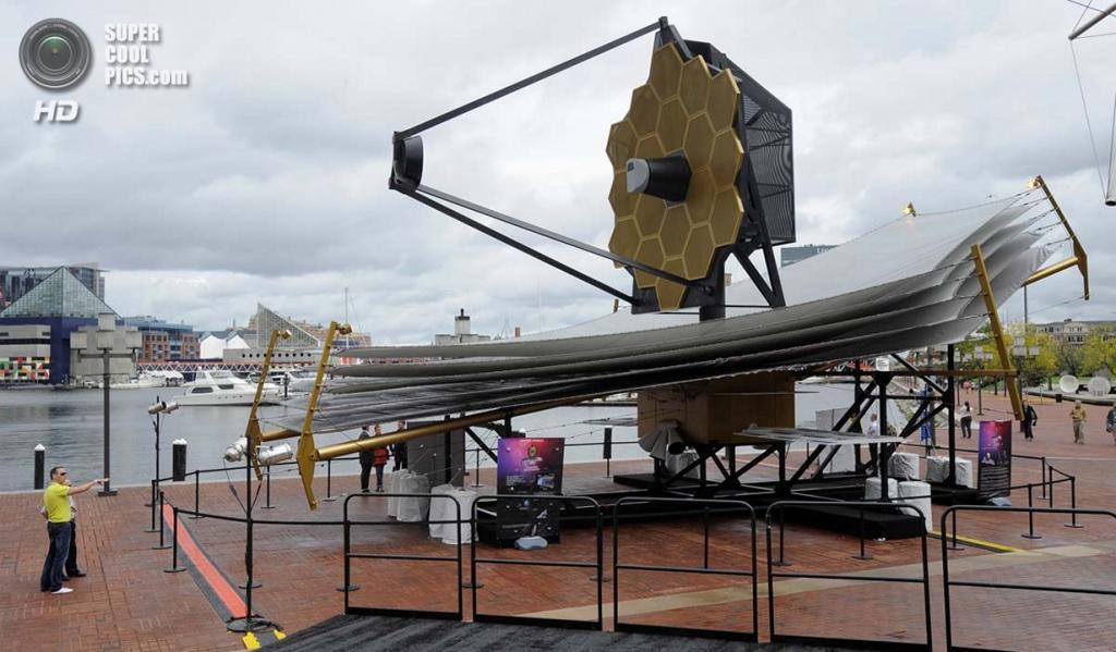 США. Балтимор, Мэриленд. Полномасштабная реплика телескопа «Джеймс Уэбб». (Lloyd Fox/Baltimore Sun)