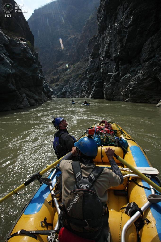 Перу. 19 сентября 2012 года. Во время экспедиции «Амазонский экспресс». (Erich Schlegel/ZUMA Press)