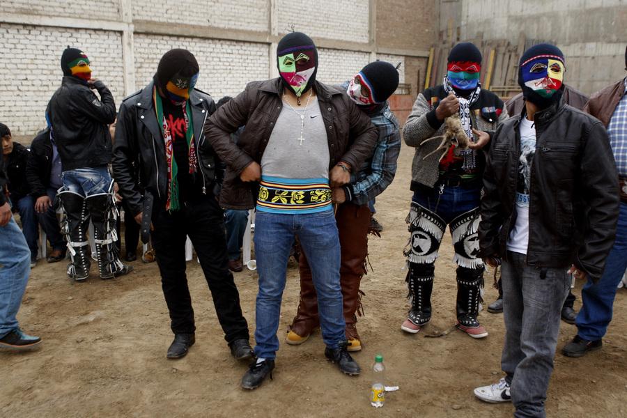 Ритуальные бои кечуа (12 фото)