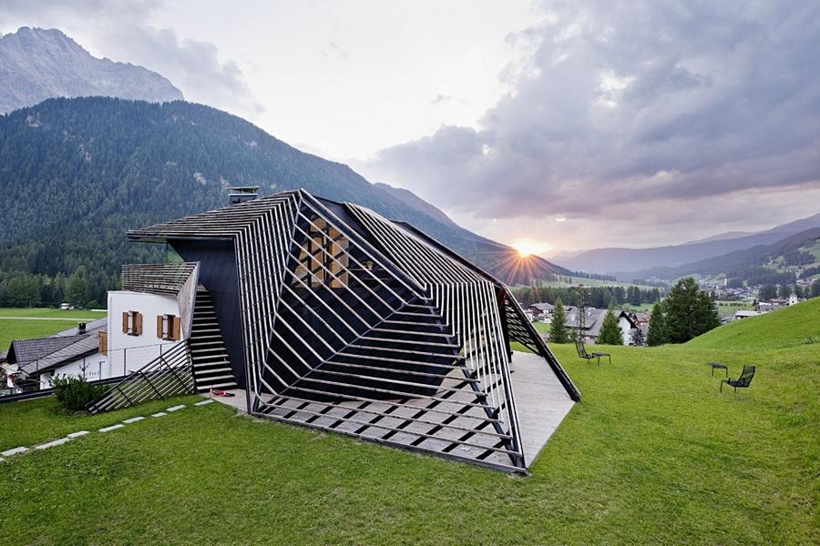 Дом на доме от Plasma Studio (6 фото)