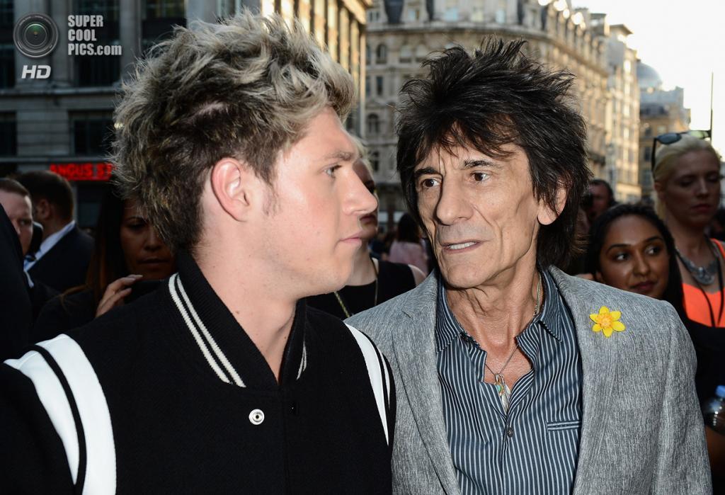 Великобритания. Лондон. 20 августа. Найл Хоран и Рон Вуд, покоривший музыкальный «Олимп» вместе с The Rolling Stones ещё задолго до рождения участников One Direction. (Ian Gavan/Getty Images)