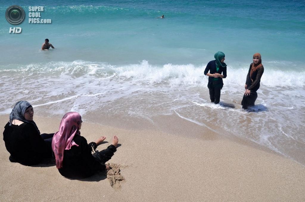 арабки на пляже 20