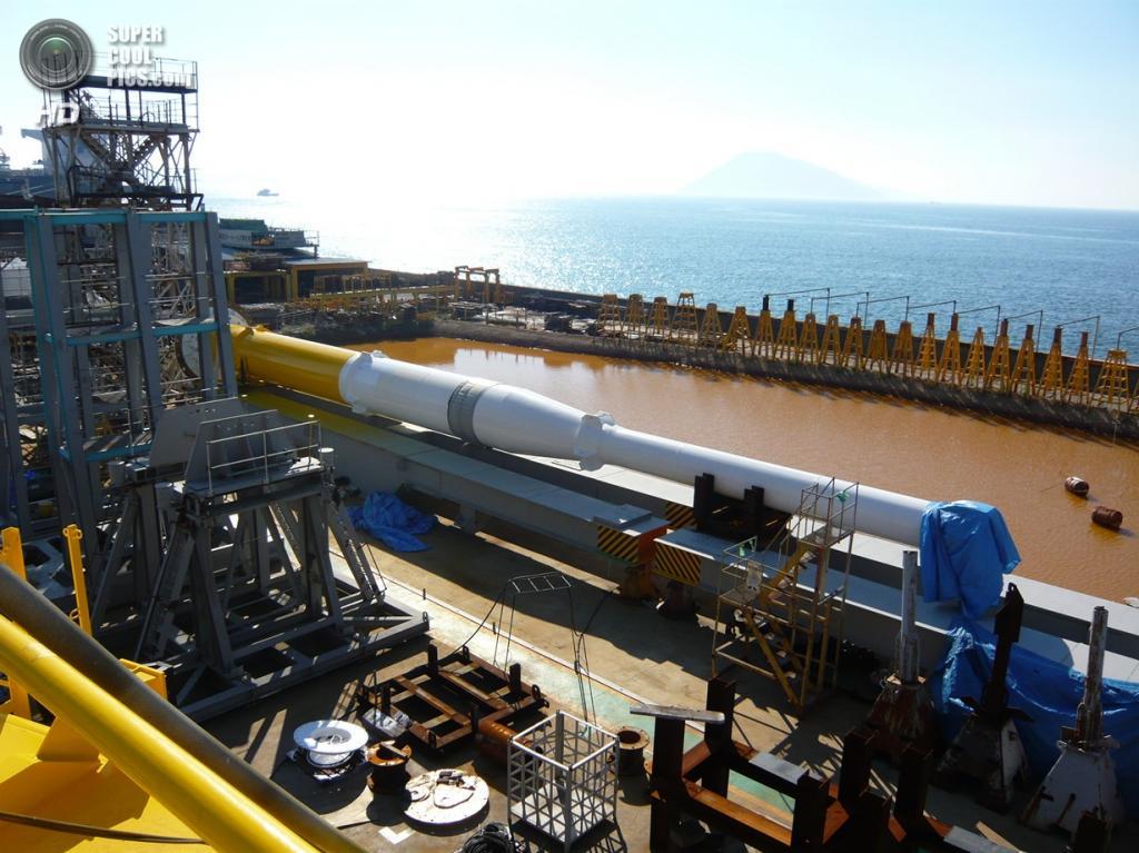 Столб гибридной ветроприливной турбины SKWID. (MODEC)