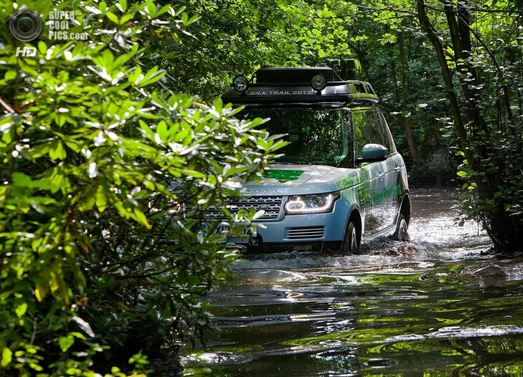 Range Rover Hybrid. (Jaguar Land Rover)