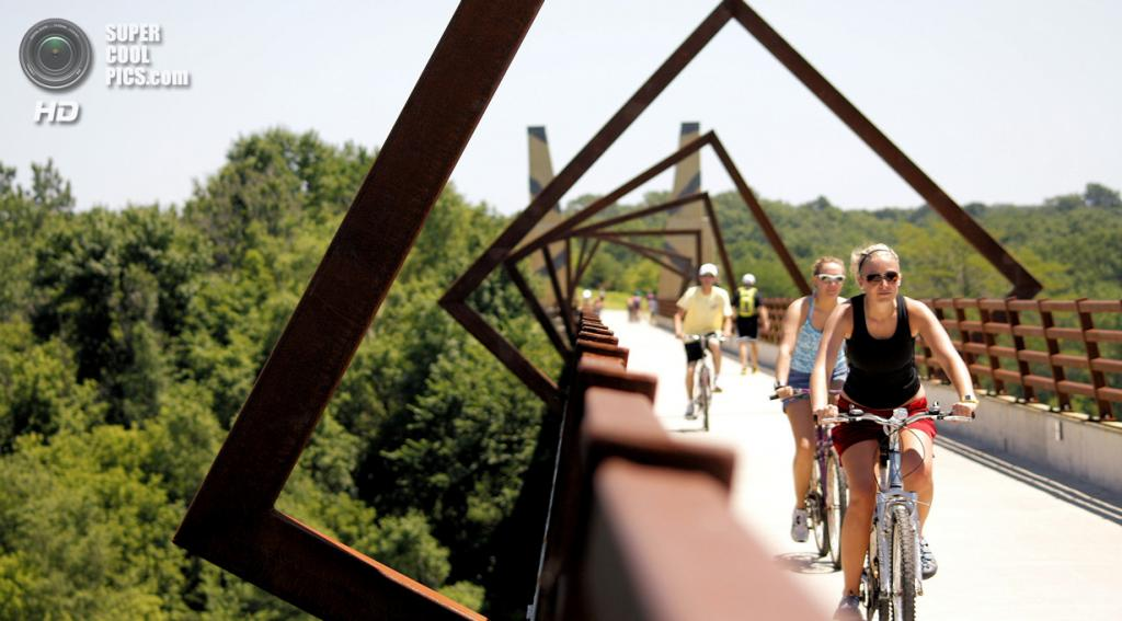 США. Айова. Мост High Trestle Trail. (Phil Roeder)