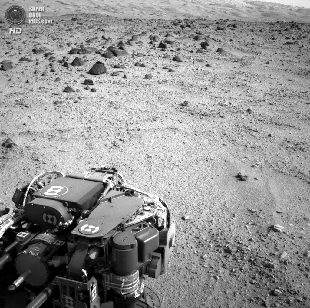 Марс. 9 июля. «Кьюриосити» направляется к горе Шарпа. (NASA/JPL-Caltech)