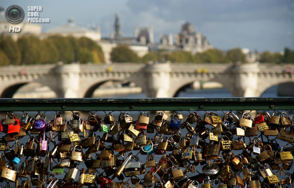 Франция. Париж. Мост Искусств. (Tommy Barrett)