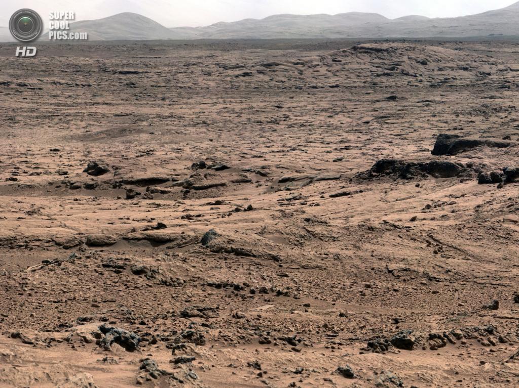 Марс. 18 ноября 2012 года. Пейзаж Марса, сфотографированный камерой MastCam «Кьюриосити». (NASA/JPL-Caltech/Malin Space Science Systems)